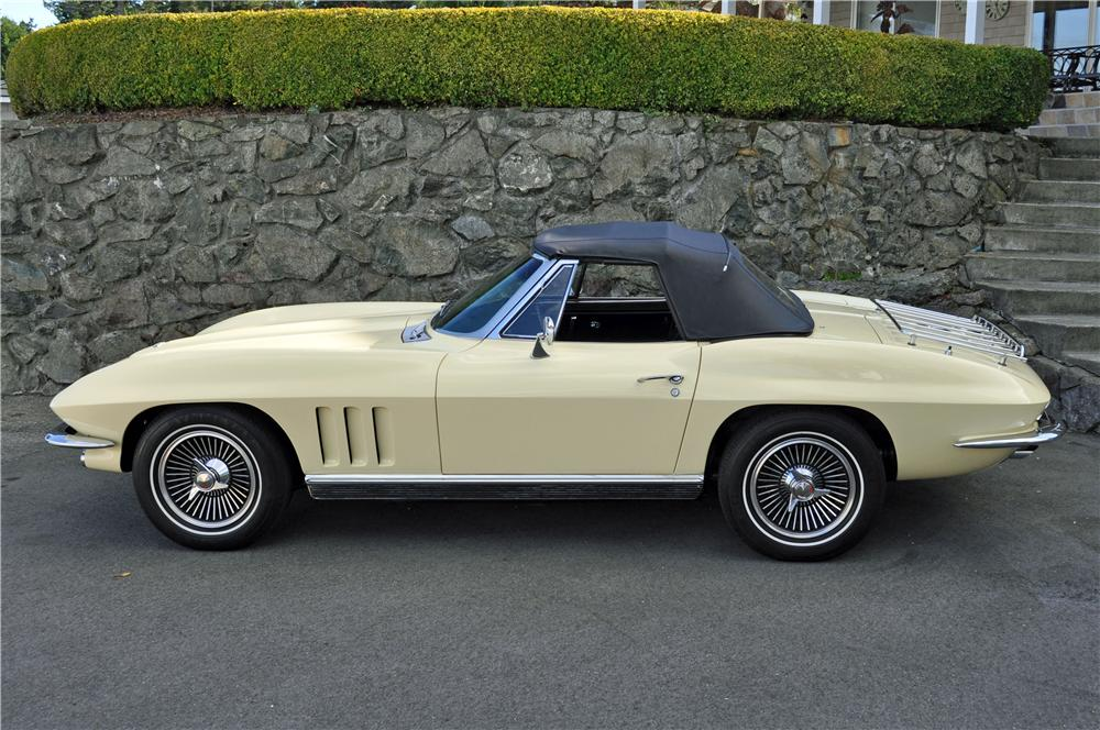 1966 CHEVROLET CORVETTE CONVERTIBLE - Side Profile - 161243