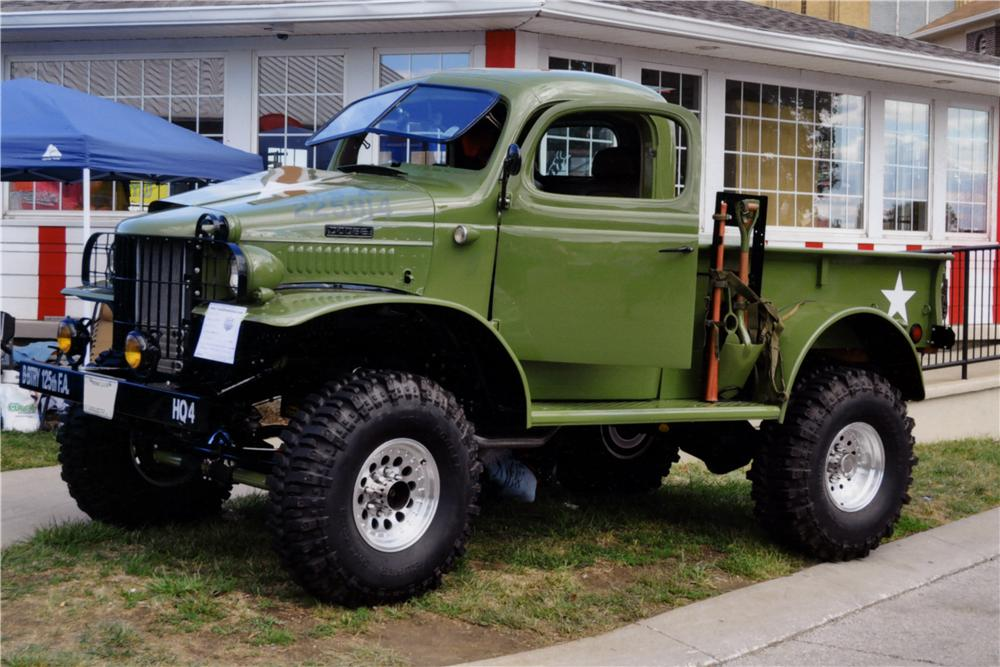 1941 DODGE CUSTOM 4X4 PICKUP - Front 3/4 - 161260