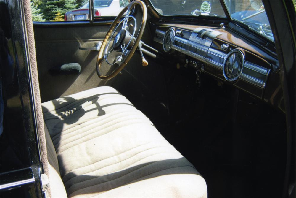 1939 PACKARD 120 4 DOOR SEDAN - Interior - 161267
