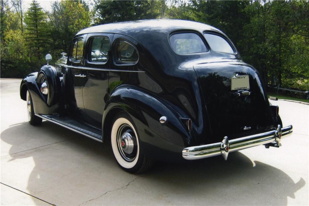 1939 PACKARD 120 4 DOOR SEDAN - Rear 3/4 - 161267