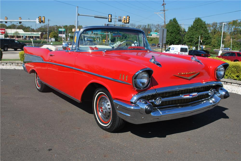 1957 CHEVROLET BEL AIR CONVERTIBLE - Front 3/4 - 161268