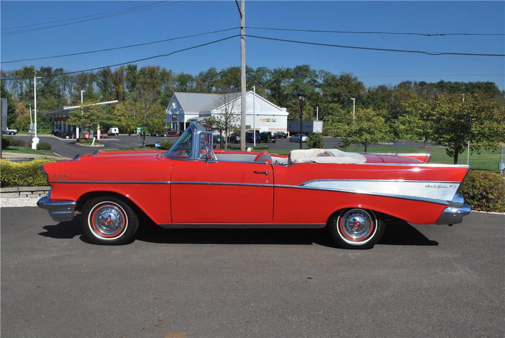 1957 CHEVROLET BEL AIR CONVERTIBLE - Side Profile - 161268