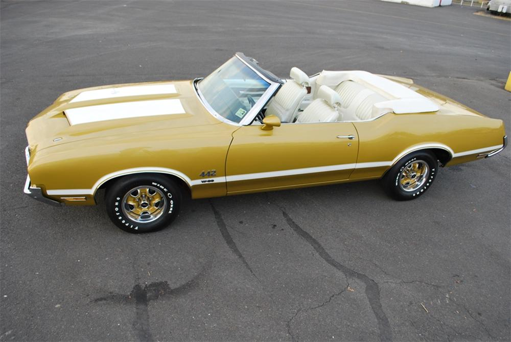 1971 OLDSMOBILE 442 W30 CONVERTIBLE - Side Profile - 161270