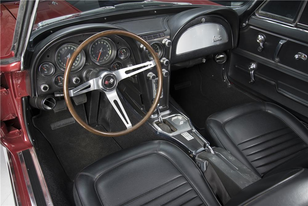 1967 CHEVROLET CORVETTE CONVERTIBLE - Interior - 161272