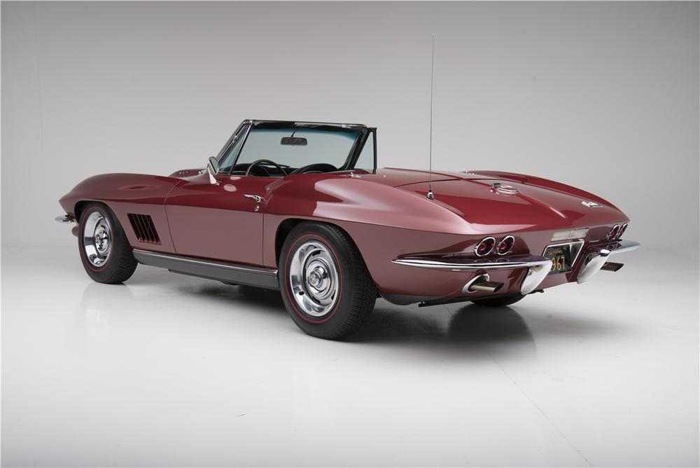 1967 CHEVROLET CORVETTE CONVERTIBLE - Rear 3/4 - 161272