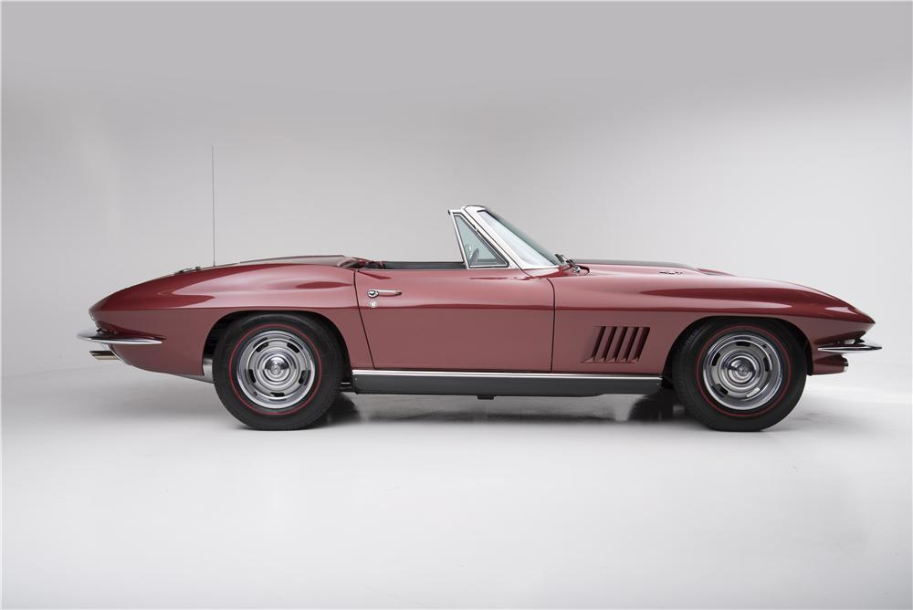 1967 CHEVROLET CORVETTE CONVERTIBLE - Side Profile - 161272