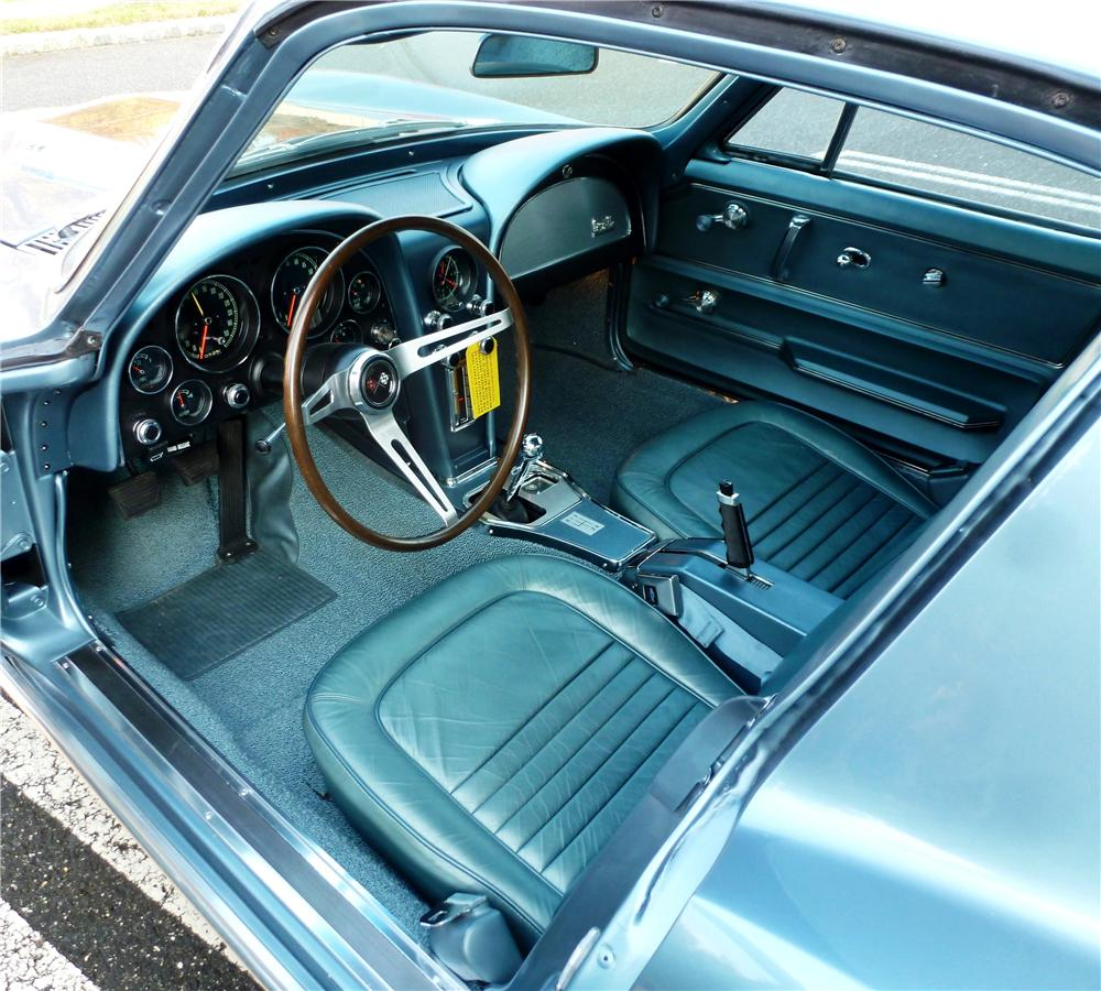 1967 CHEVROLET CORVETTE 2 DOOR COUPE - Interior - 161278