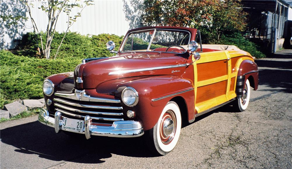 1947 FORD SPORTSMAN SUPER DELUXE CONVERTIBLE - Front 3/4 - 161284