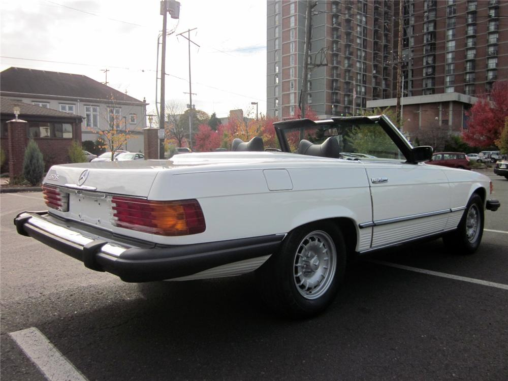 1979 MERCEDES-BENZ 450SL CONVERTIBLE - Rear 3/4 - 161322