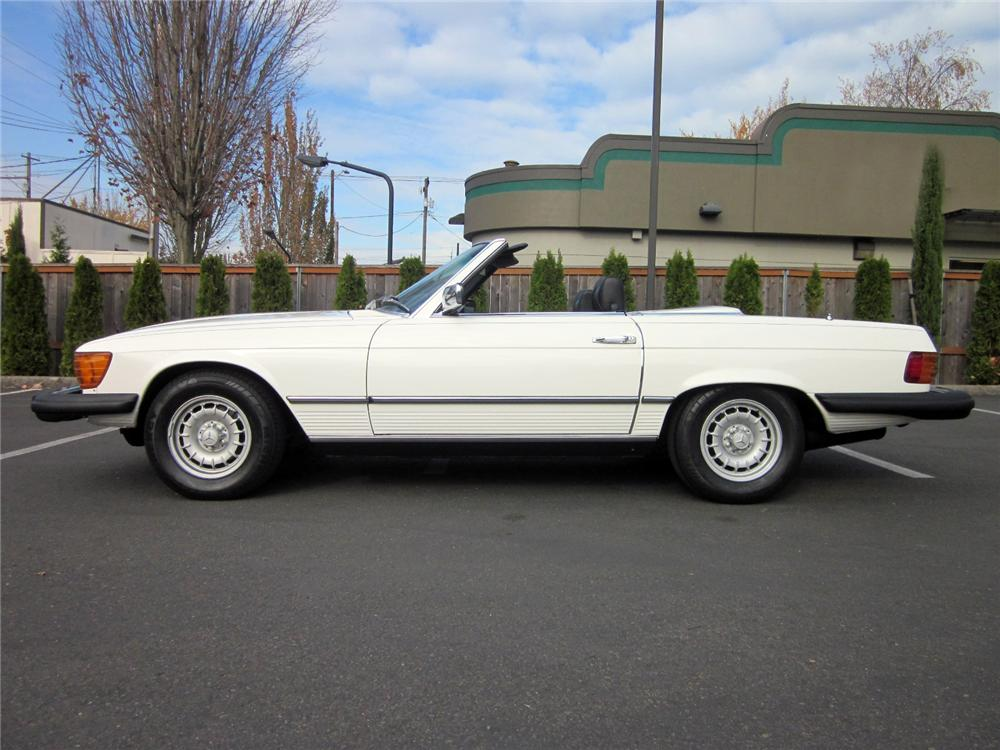 1979 MERCEDES-BENZ 450SL CONVERTIBLE - Side Profile - 161322