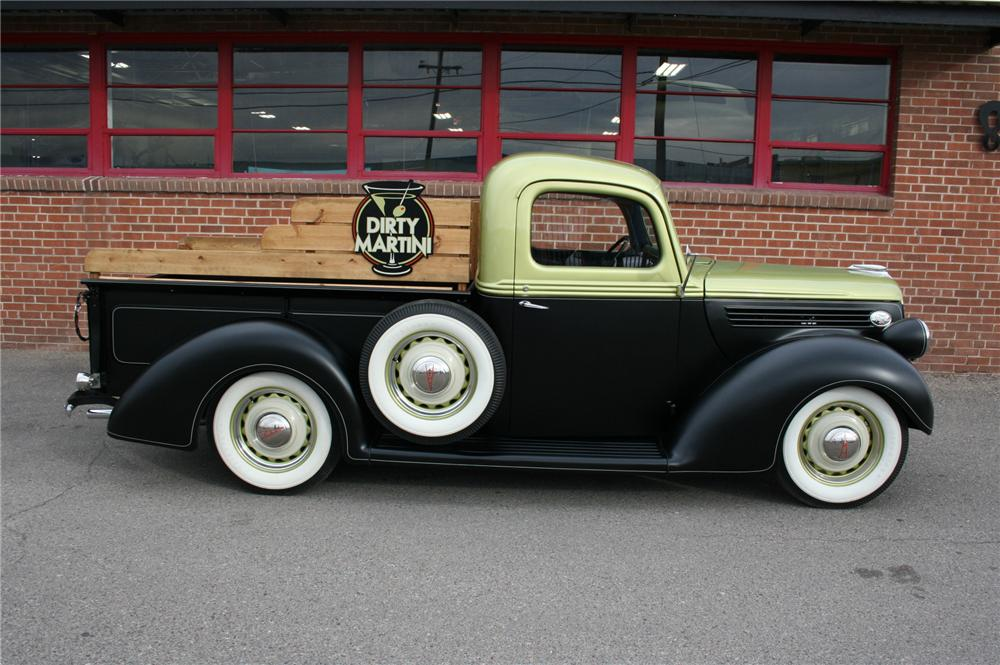 1939 FORD PICKUP - Front 3/4 - 161333