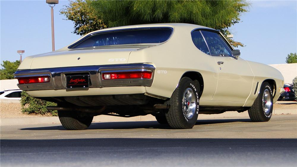 1972 PONTIAC GTO 2 DOOR COUPE - Rear 3/4 - 161347