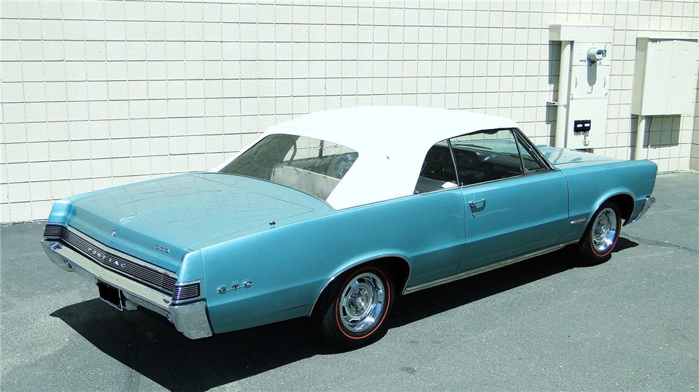 1965 PONTIAC GTO CONVERTIBLE - Rear 3/4 - 161350