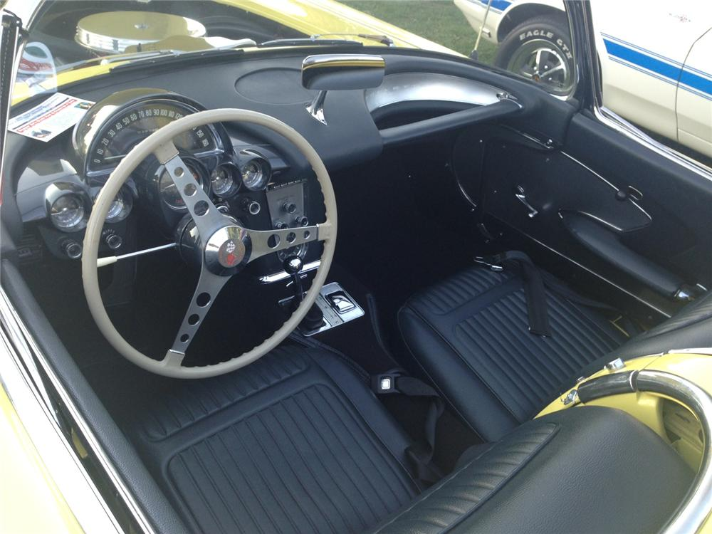 1958 CHEVROLET CORVETTE CONVERTIBLE - Interior - 161364