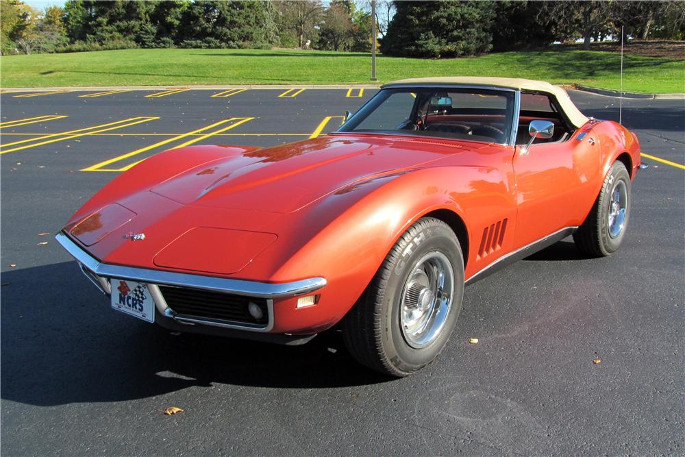 1968 CHEVROLET CORVETTE CONVERTIBLE - Front 3/4 - 161390