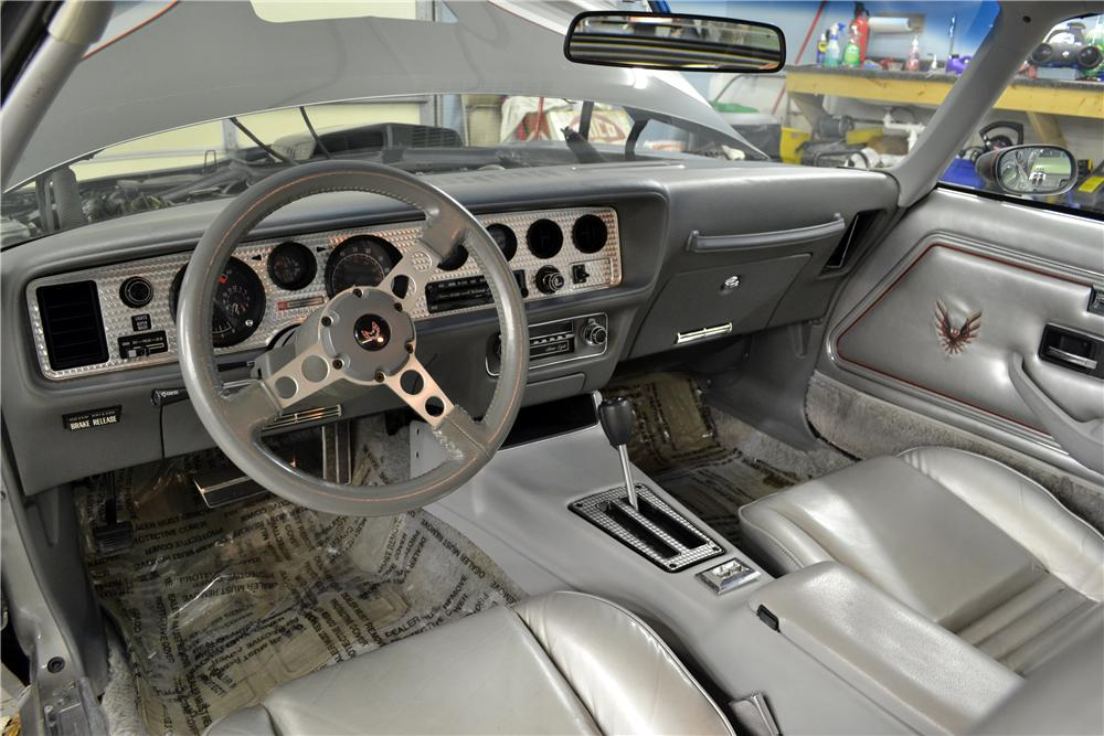 1979 PONTIAC FIREBIRD TRANS AM 10TH ANNIVERSARY COUPE - Interior - 161402