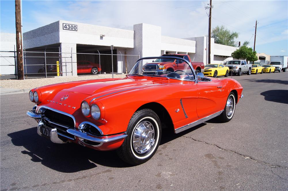 1962 CHEVROLET CORVETTE CONVERTIBLE - Front 3/4 - 161429
