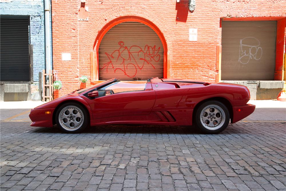 1997 LAMBORGHINI DIABLO VT ROADSTER - Side Profile - 161447