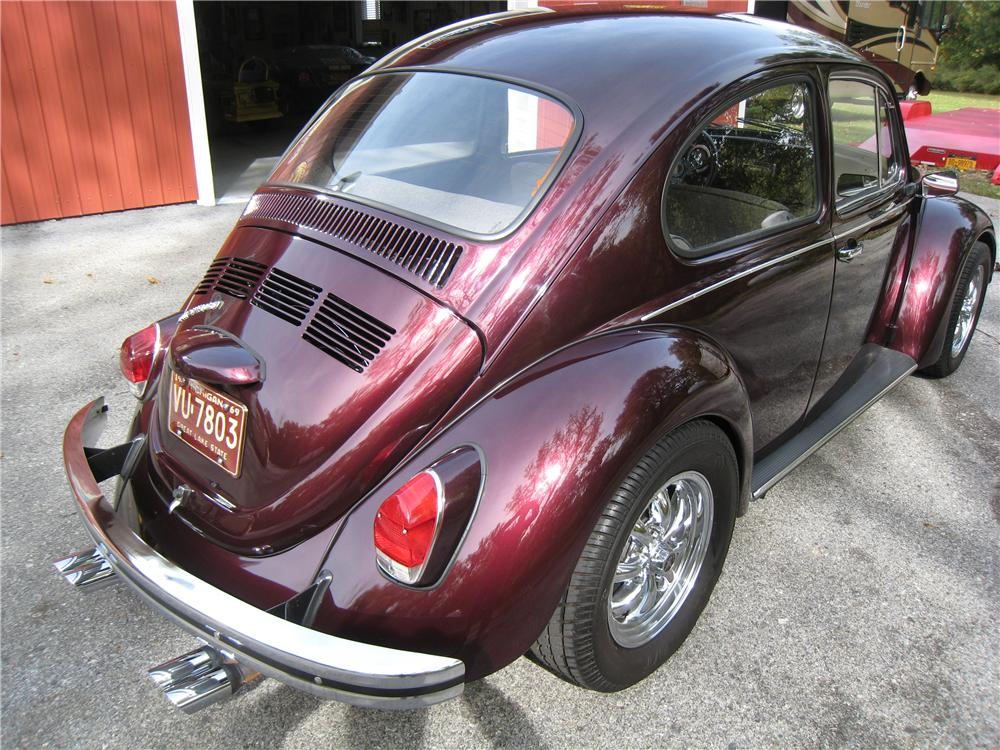 1969 VOLKSWAGEN BEETLE 2 DOOR SEDAN - Rear 3/4 - 161455