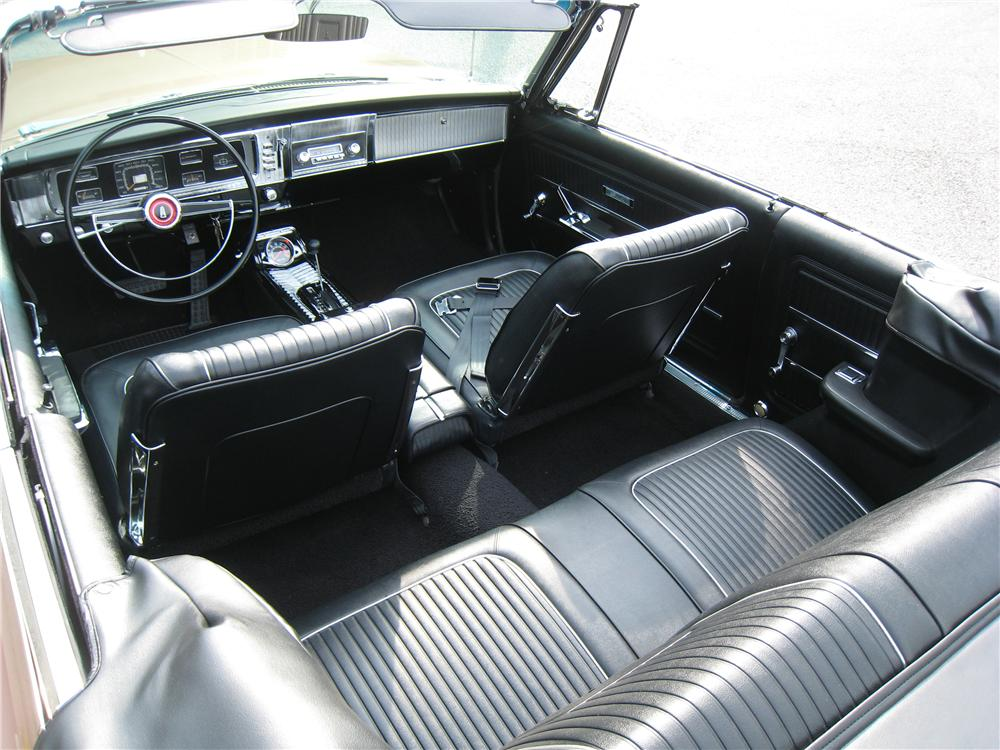 1965 PLYMOUTH SATELLITE CONVERTIBLE - Interior - 161463