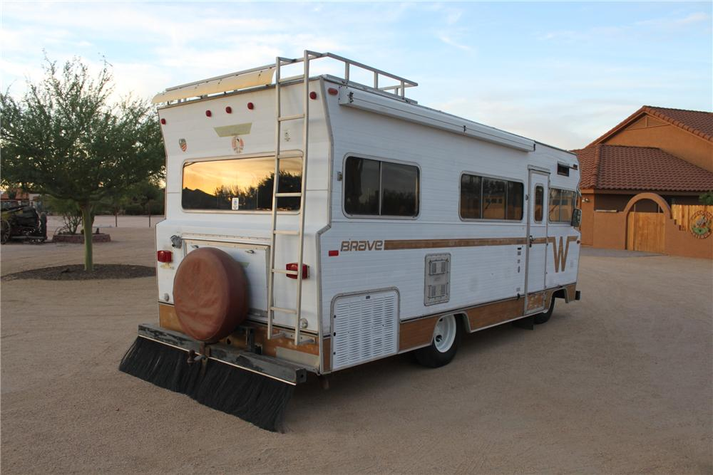 1972 WINNEBAGO CUSTOM RV - Rear 3/4 - 161483