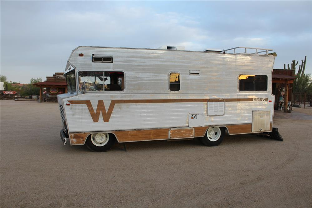 1972 WINNEBAGO CUSTOM RV - Side Profile - 161483