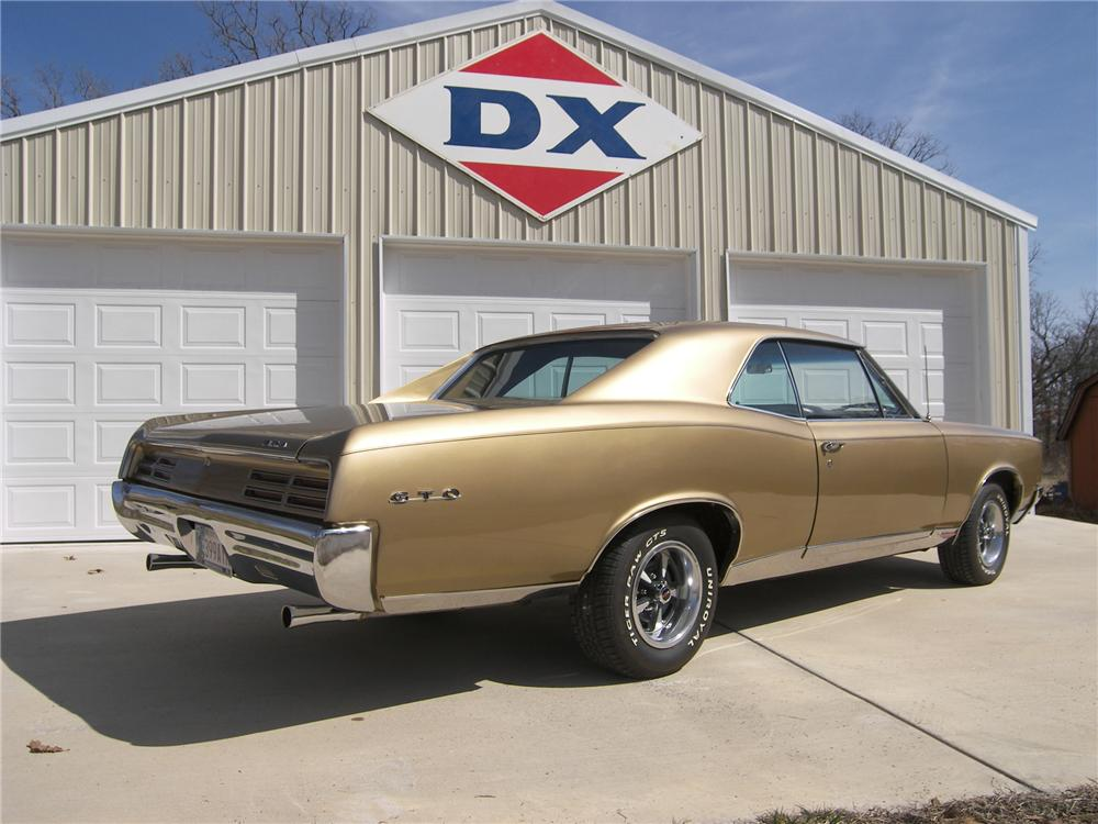 1967 PONTIAC GTO 2 DOOR COUPE - Rear 3/4 - 161495