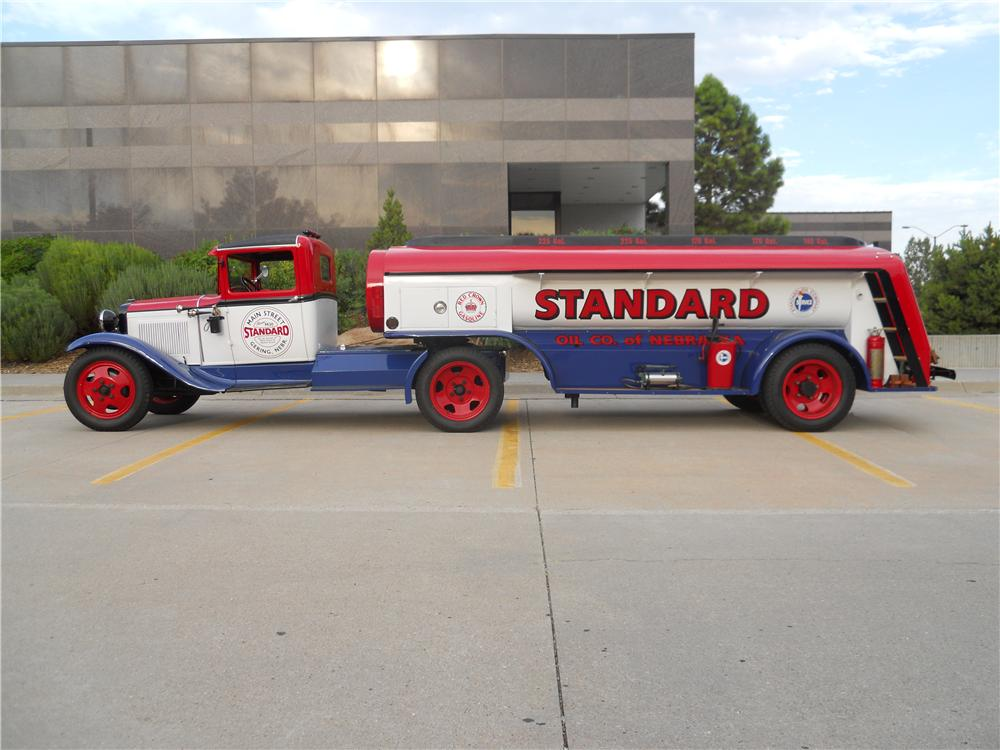 1930 HOMEMADE FUEL TANKER TRAILER - Side Profile - 161499