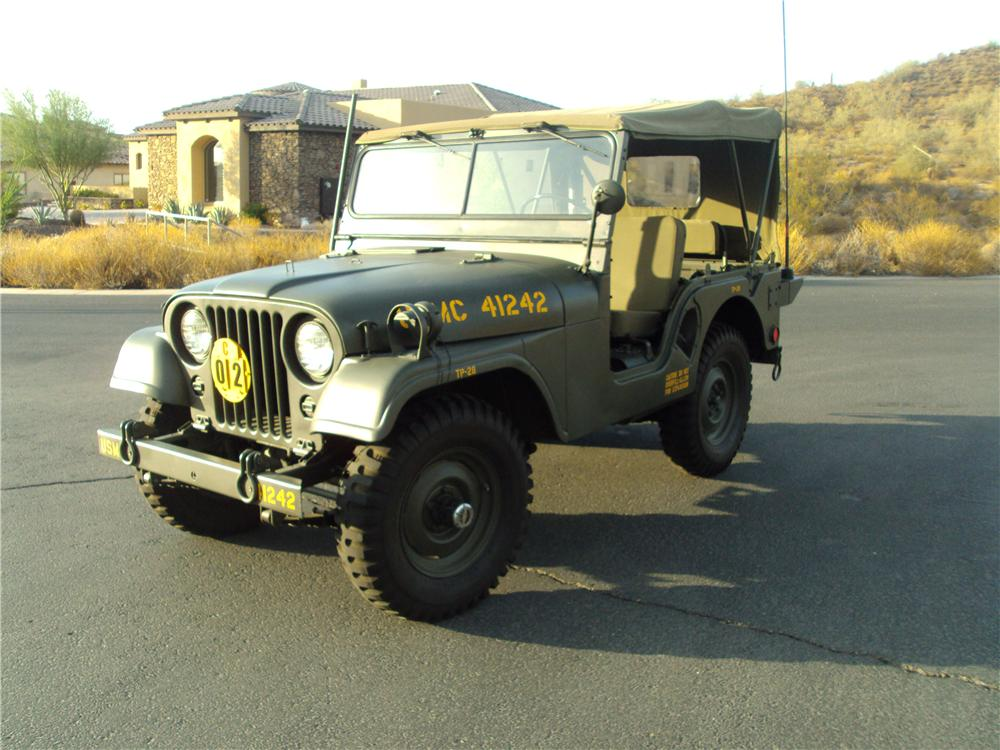 1953 WILLYS MILITARY JEEP  - Front 3/4 - 161505