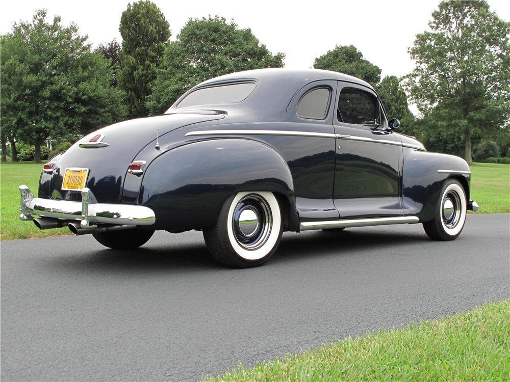 1947 PLYMOUTH CUSTOM 2 DOOR COUPE - Rear 3/4 - 161510