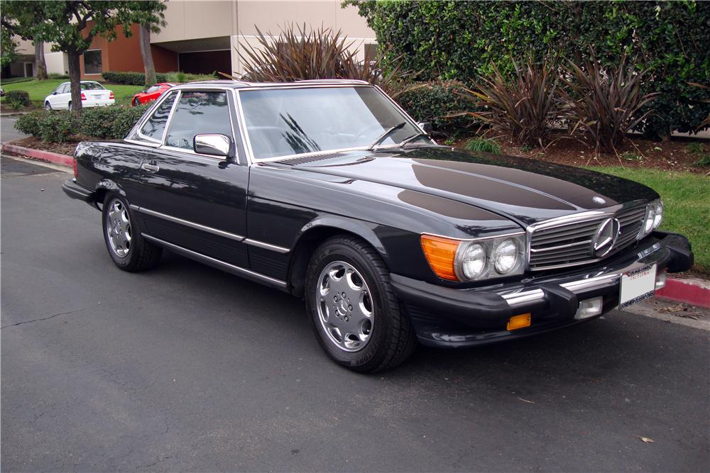 1988 MERCEDES-BENZ 560SL CONVERTIBLE - Front 3/4 - 161511