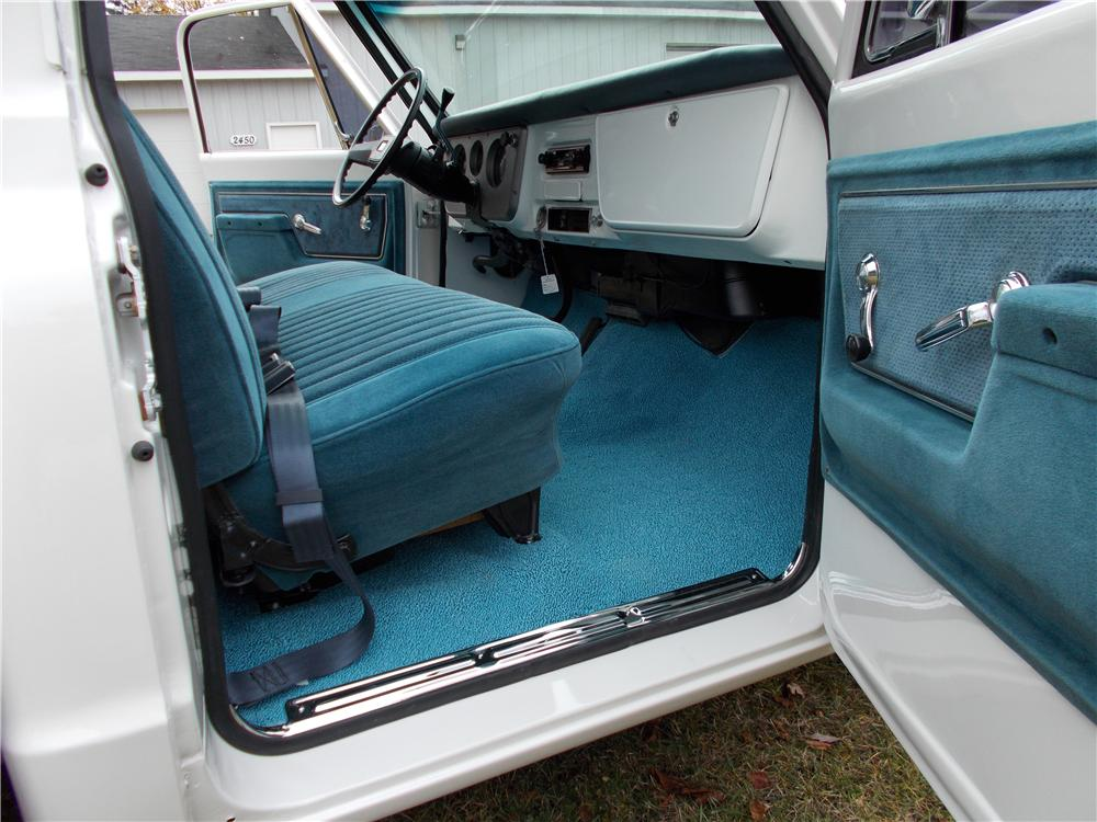 1968 CHEVROLET C-10 PICKUP - Interior - 161512