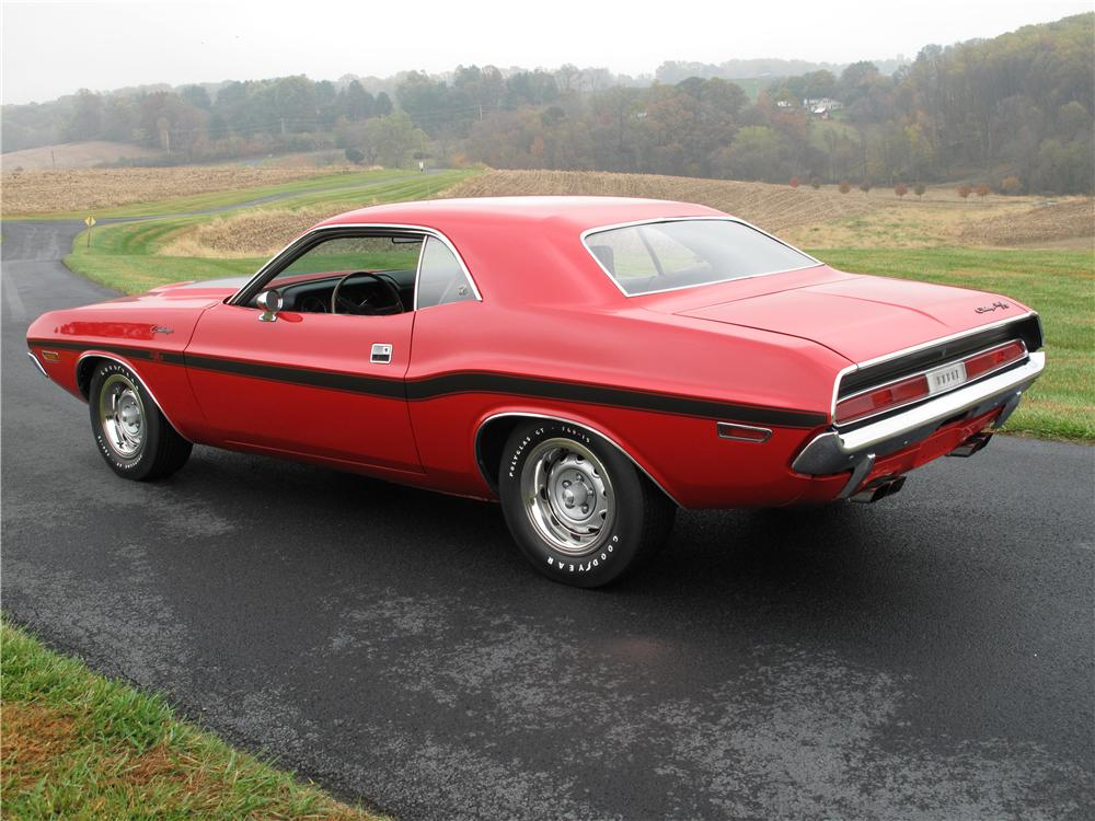 1970 DODGE CHALLENGER CUSTOM 2 DOOR HARDTOP - Rear 3/4 - 161515