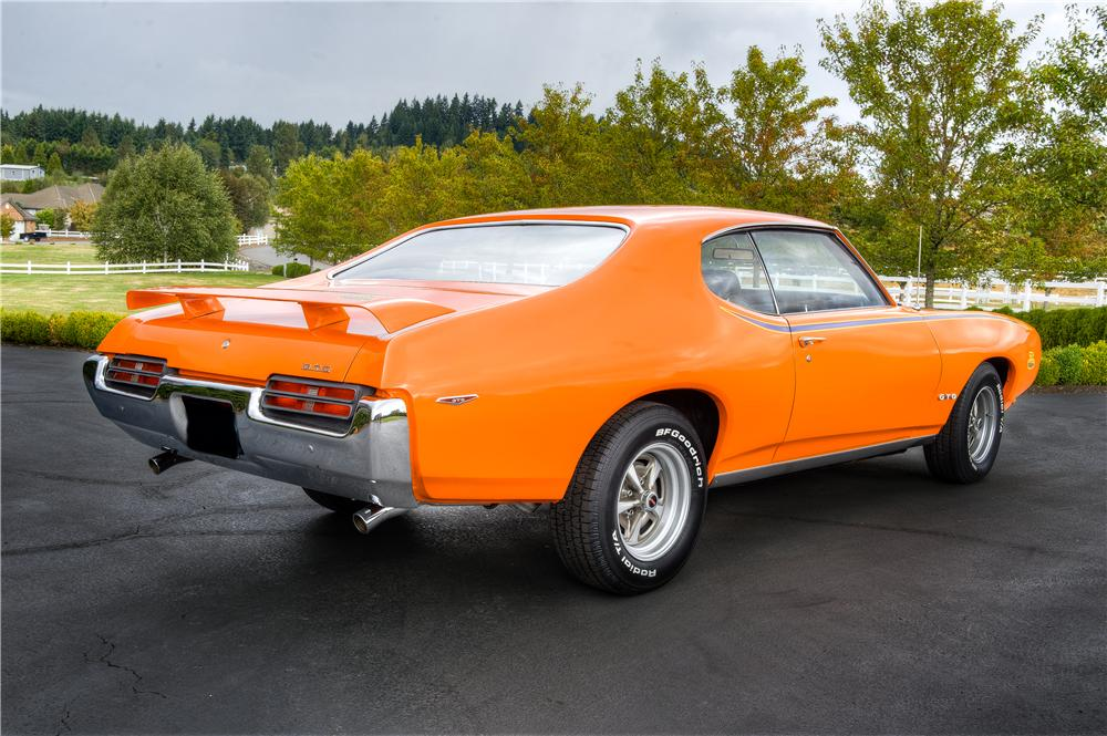 1969 PONTIAC GTO JUDGE 2 DOOR HARDTOP - Rear 3/4 - 161522