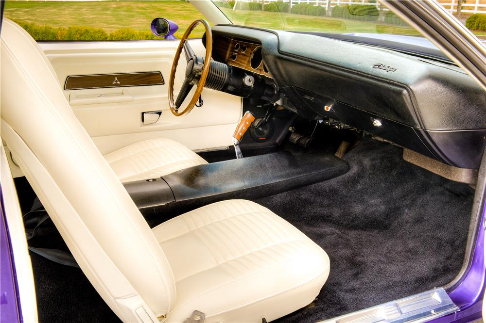 1970 DODGE CHALLENGER R/T 2 DOOR HARDTOP - Interior - 161526