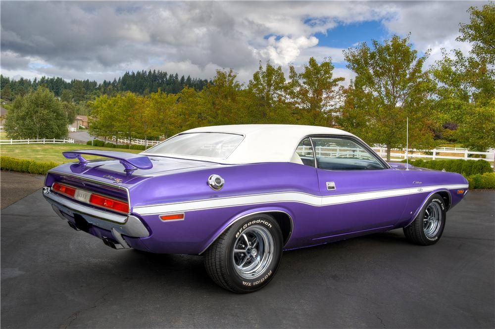 1970 DODGE CHALLENGER R/T 2 DOOR HARDTOP - Rear 3/4 - 161526