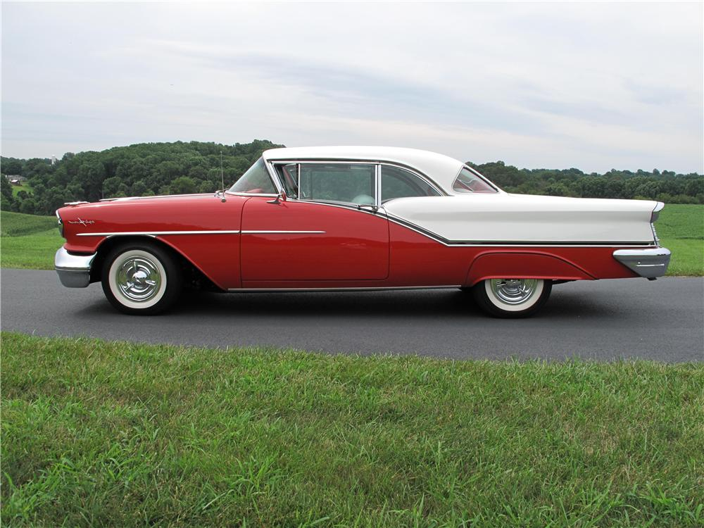 1957 OLDSMOBILE 98 2 DOOR HARDTOP - Side Profile - 161535