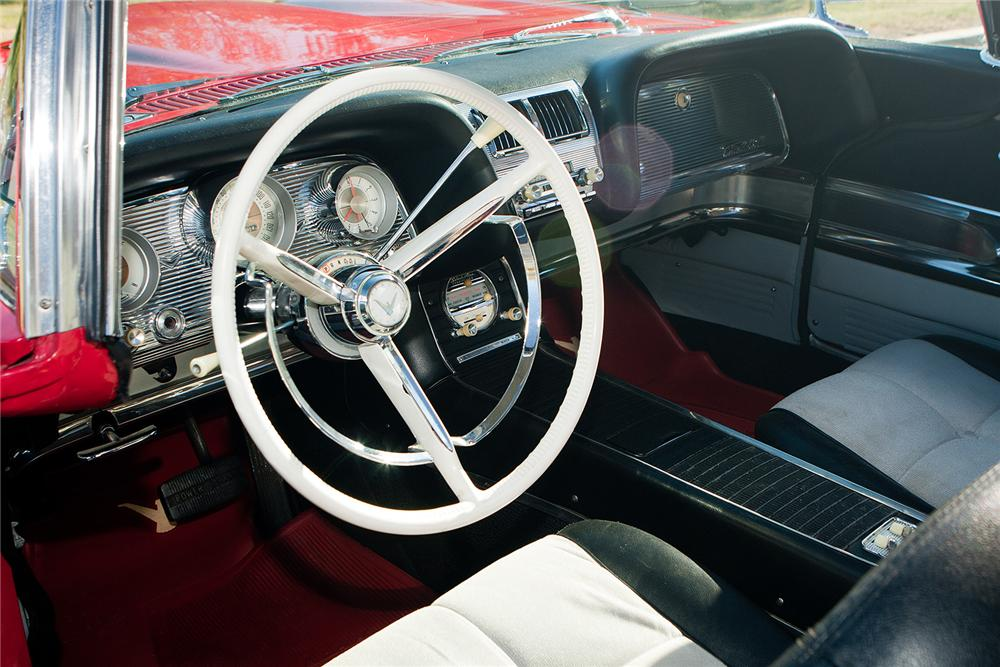 1960 FORD THUNDERBIRD SUNROOF COUPE - Interior - 161549