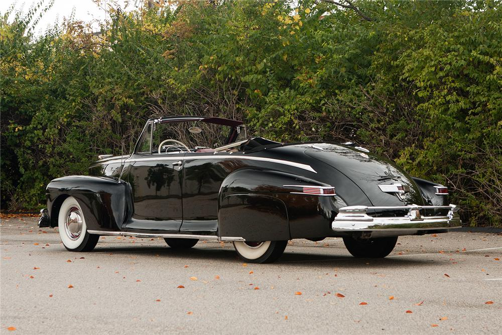 1948 LINCOLN CONVERTIBLE - Rear 3/4 - 161554