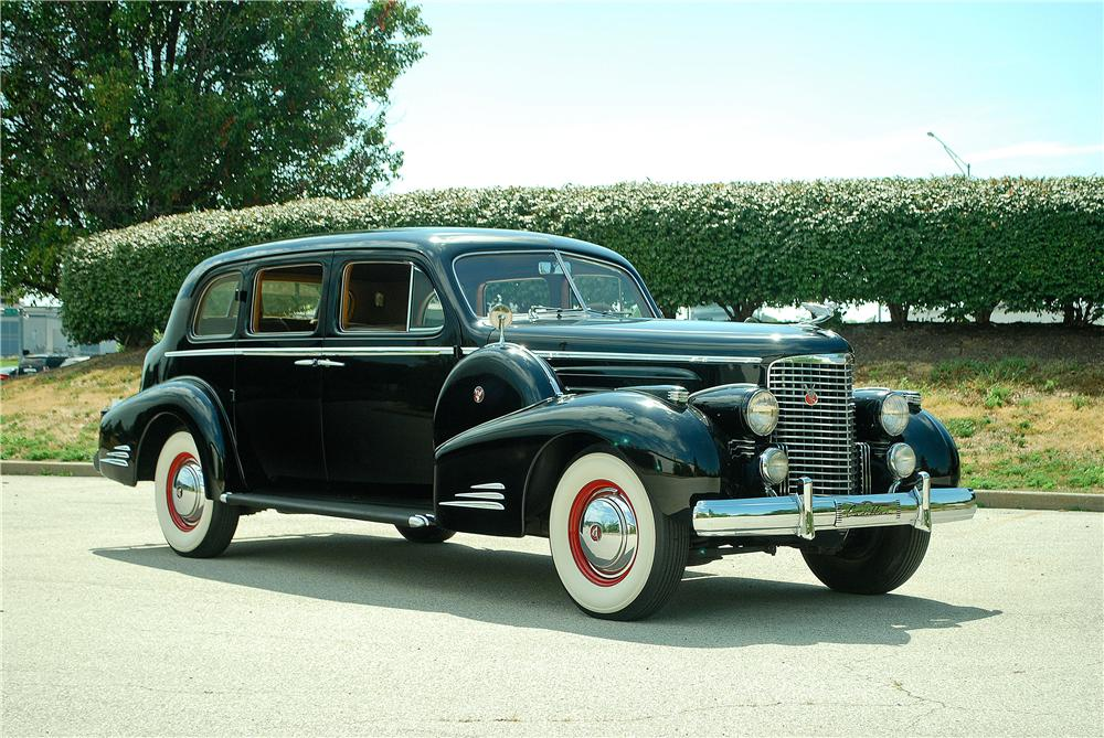 1938 CADILLAC V16 SEDAN - Side Profile - 161558