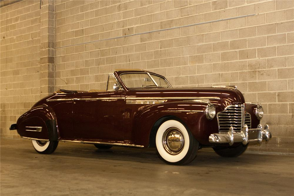 1941 BUICK ROADMASTER CONVERTIBLE - Front 3/4 - 161562