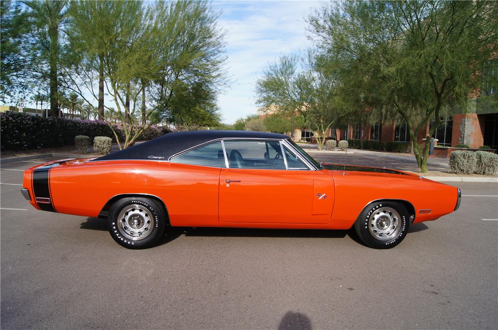 1970 DODGE CHARGER R/T 2 DOOR HARDTOP - Side Profile - 161570