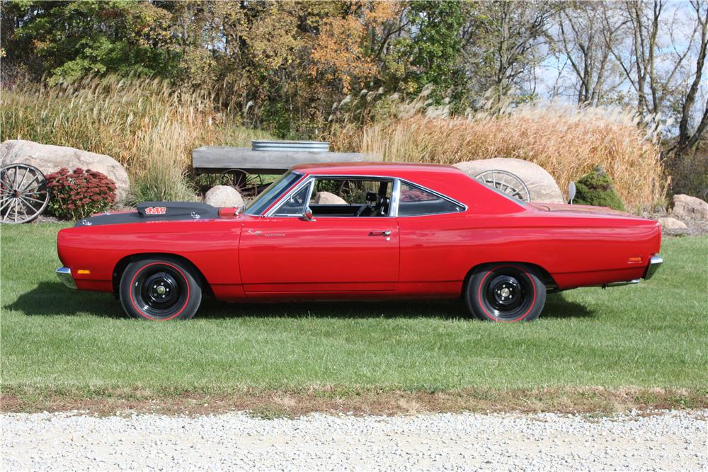 1969 PLYMOUTH ROAD RUNNER 2 DOOR HARDTOP - Side Profile - 161578