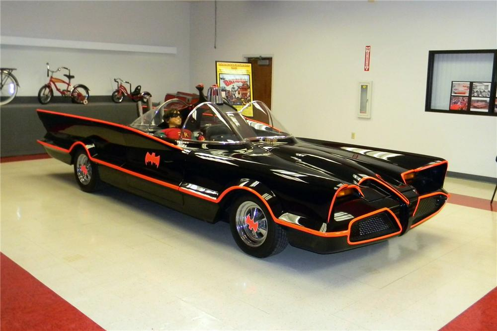 1979 LINCOLN BATMOBILE RE-CREATION - Front 3/4 - 161581