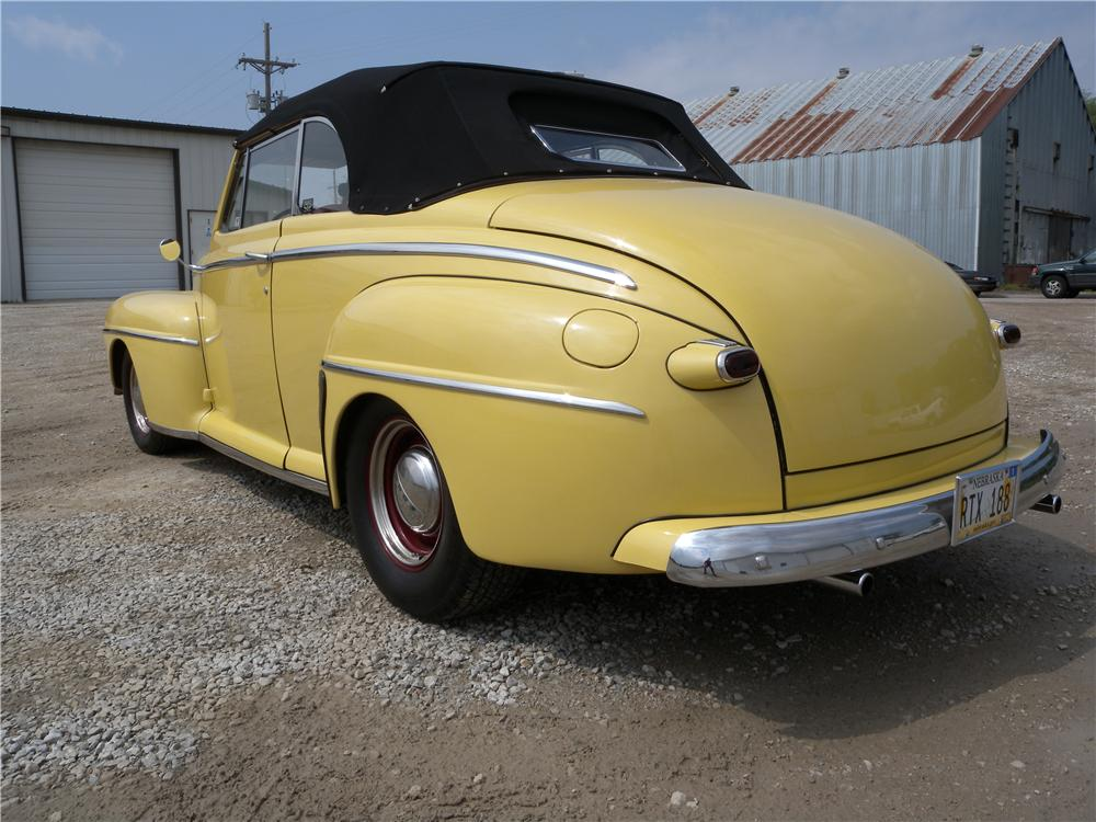 1947 FORD DELUXE CUSTOM CONVERTIBLE - Rear 3/4 - 161585