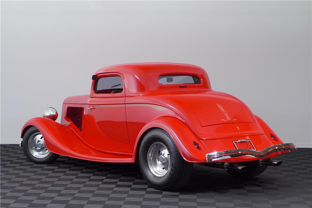 1933 FORD 3 WINDOW CUSTOM COUPE - Rear 3/4 - 161589