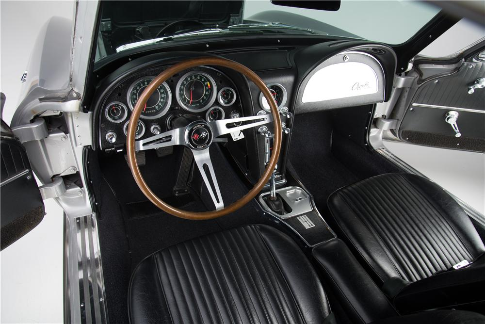 1964 CHEVROLET CORVETTE 2 DOOR COUPE - Interior - 161590