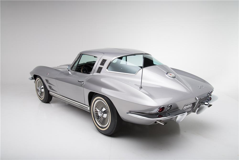 1964 CHEVROLET CORVETTE 2 DOOR COUPE - Rear 3/4 - 161590