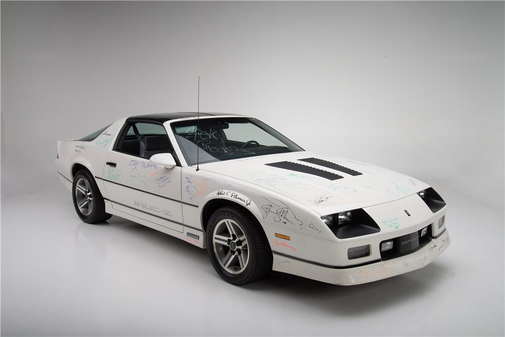 1985 CHEVROLET CAMARO IROC Z 2 DOOR COUPE - Front 3/4 - 161594