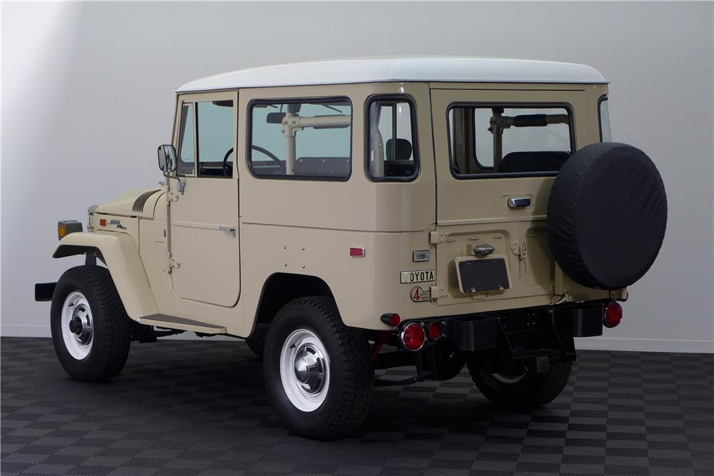 1971 TOYOTA LAND CRUISER FJ-40 SUV - Rear 3/4 - 161595